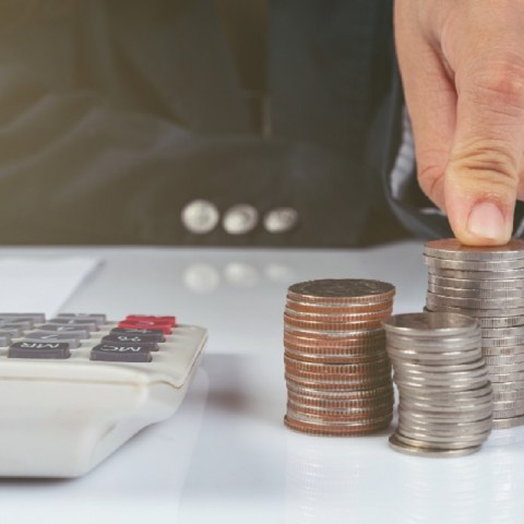 Calcula lo que te descuentan de tu sueldo por ISR