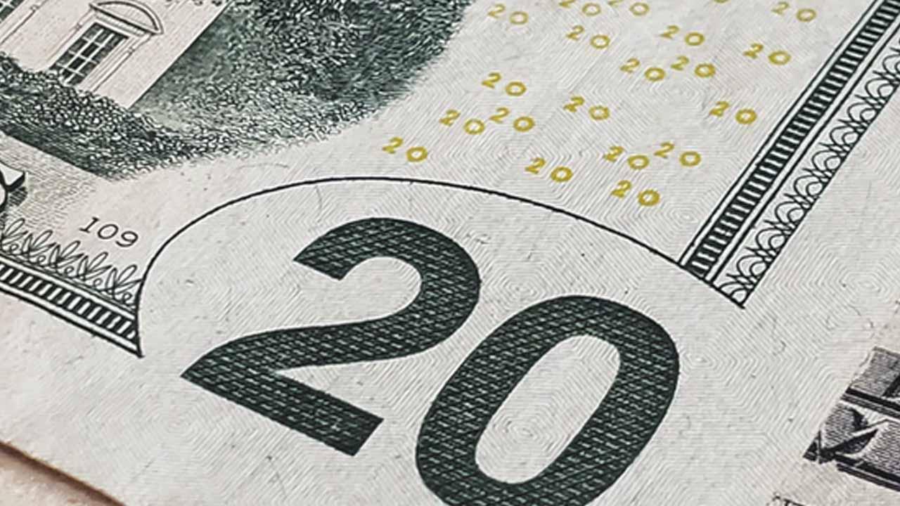 A cuánto está el dólar al finalizar la semana