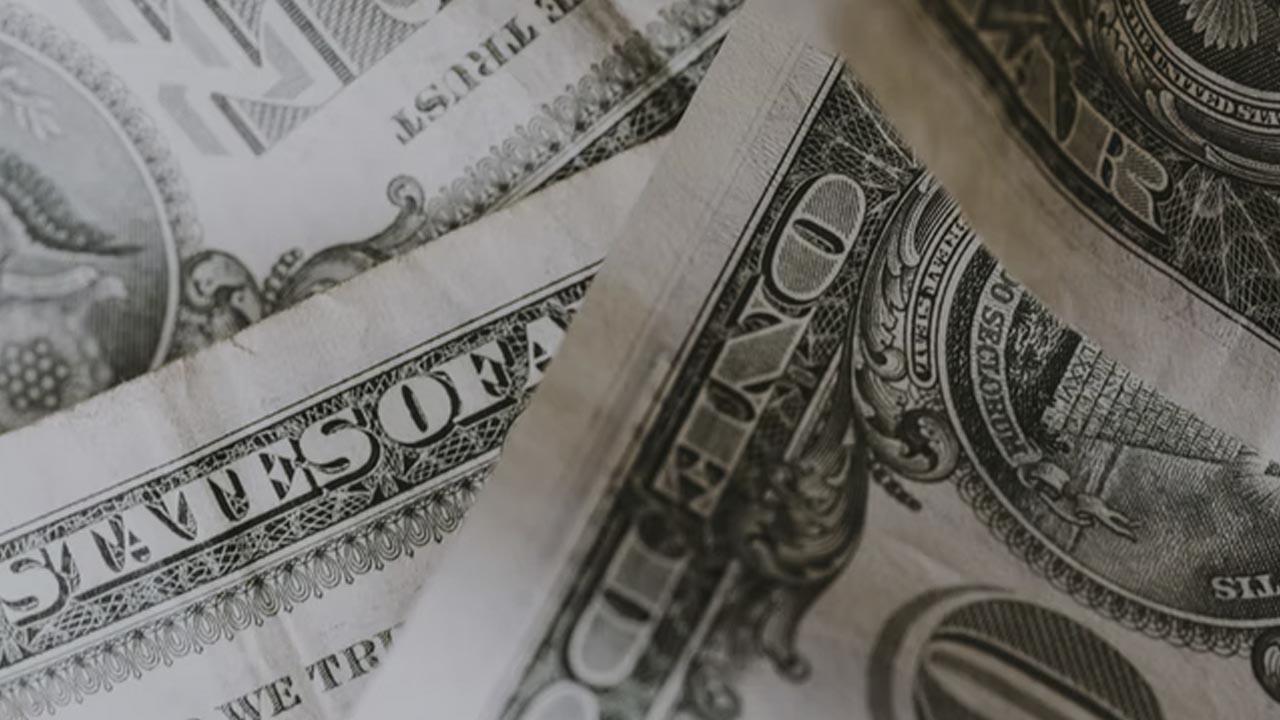 La cotización dólar sube al iniciar la semana