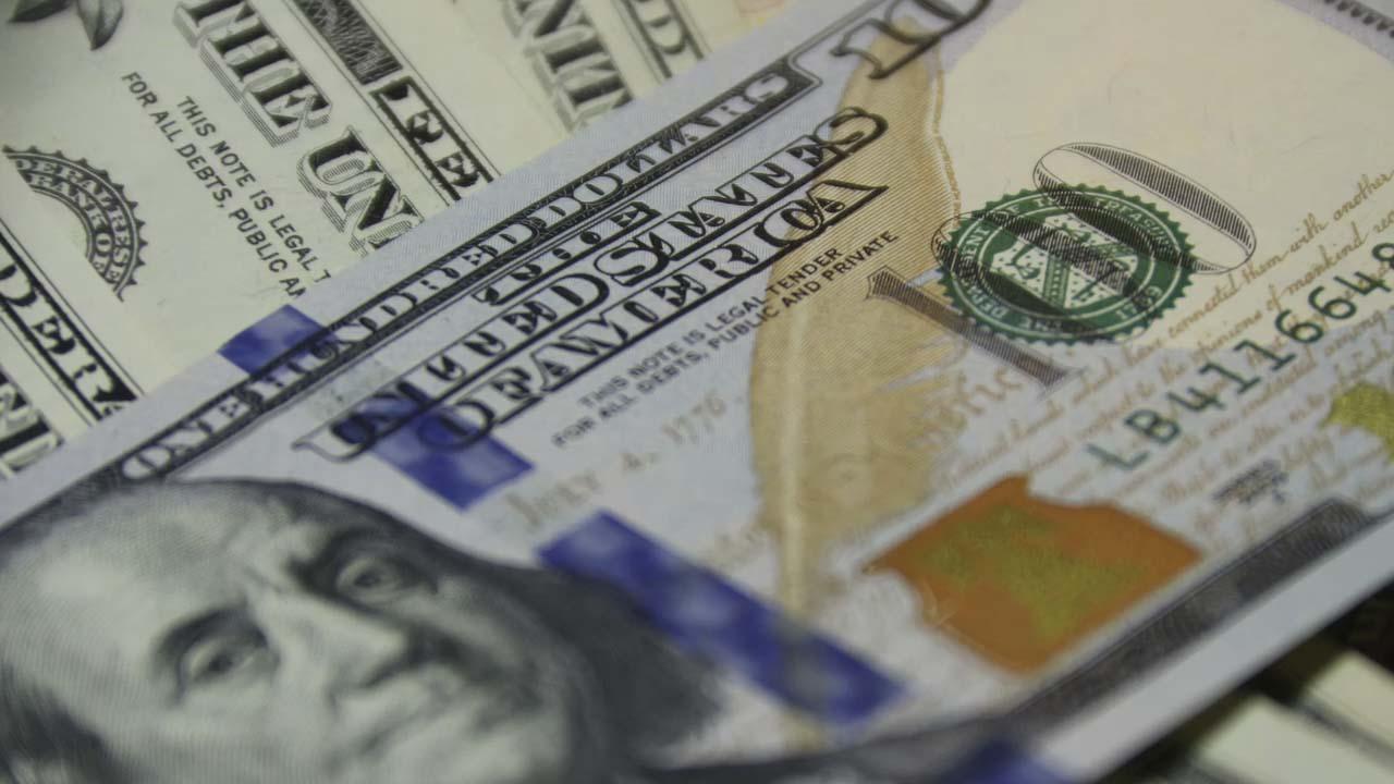 Precio del dólar sube este día