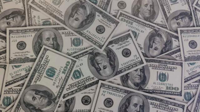El dólar se deprecia frente al peso
