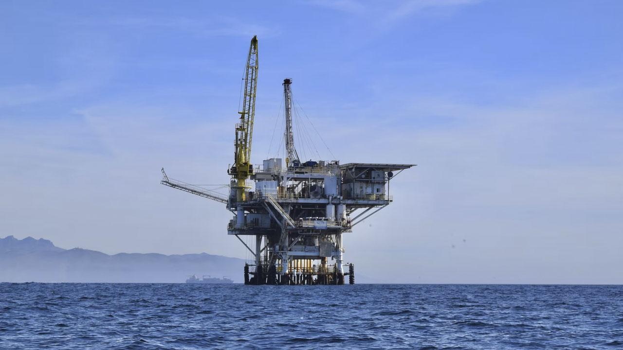 El petróleo en máximos de precio