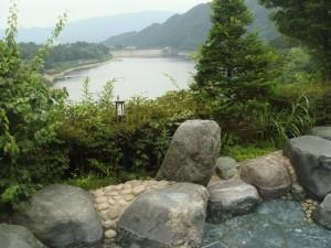 赤谷湖と露天風呂