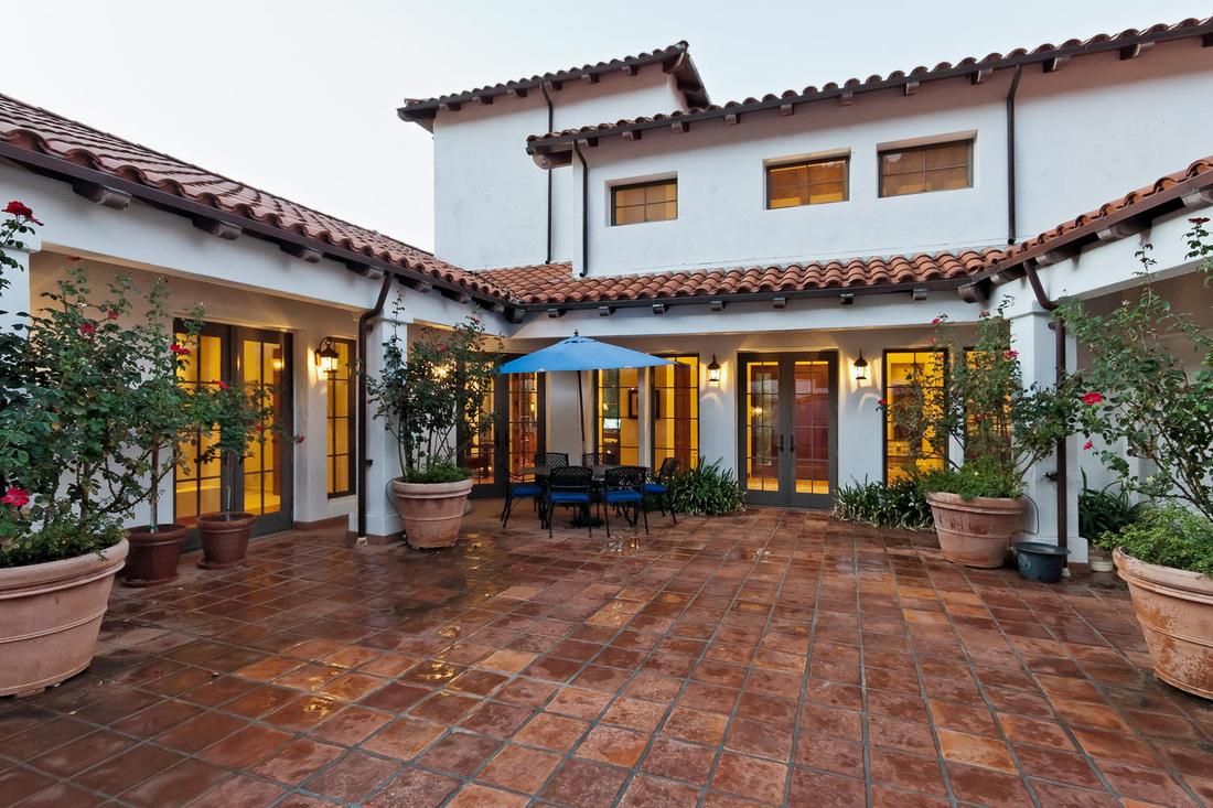 25 Unique Spanish Revival Home