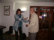 José Luis Sampedro y Olga Lucas escenifican cómo se conocieron en el pequeño restaurante de Alham de Aragón