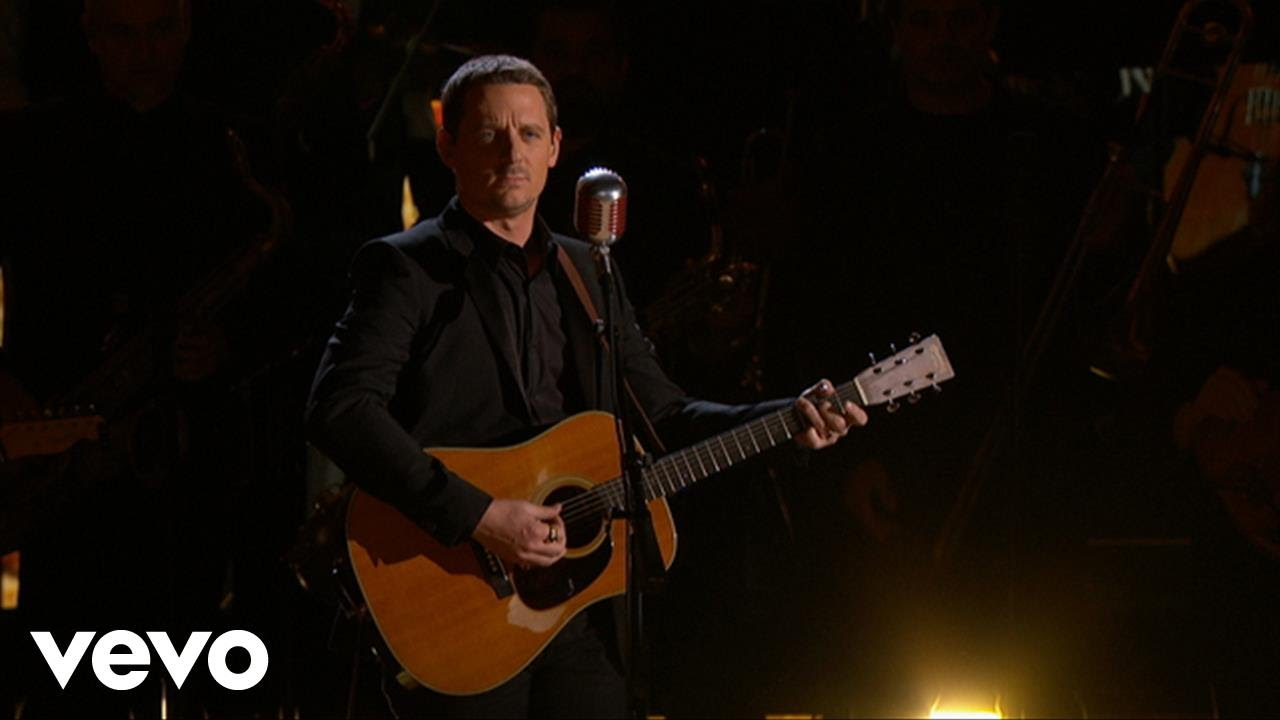 Sturgill Simpson, The Dap Kings – All Around You (LIVE from the 59th GRAMMYs)
