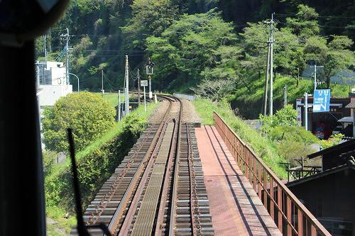 天ヶ瀬駅に向かう途中の鉄橋