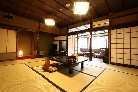 天龍荘客室