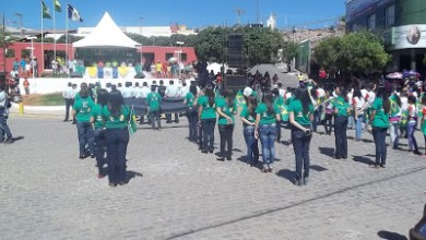 Foto de Porteiras-CE, desfile cívico também homenageia Welington Landim