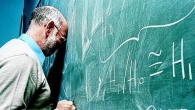 Foto de Governo Bolsonaro propõe idade mínima de 60 anos para aposentadoria de professores
