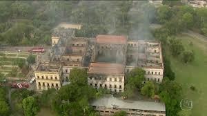 Foto de Destruição: Polícia Federal investiga as causas do incêndio no Museu Nacional; Veja