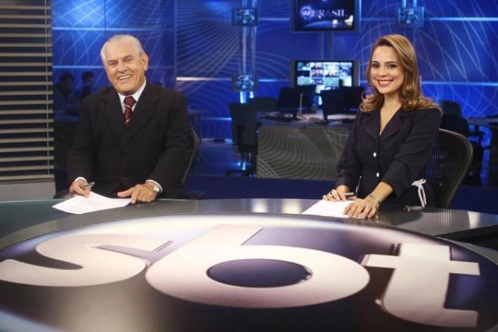 Jornalista apresentou o programa SBT Brasil, principal telejornal da emissora, por cerca de dez anos; na foto, Sheherazade ao lado do ex-colega de bancada Joseval Peixoto (Foto: Divulgação/SBT)