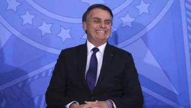 """Foto de Bolsonaro segue com """"ótima evolução clínica"""" e retira sonda vesical"""