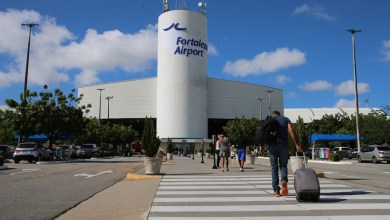Foto de Anvisa nega teste de passageiro no aeroporto, e Camilo pede que visitante faça exame antes de chegar