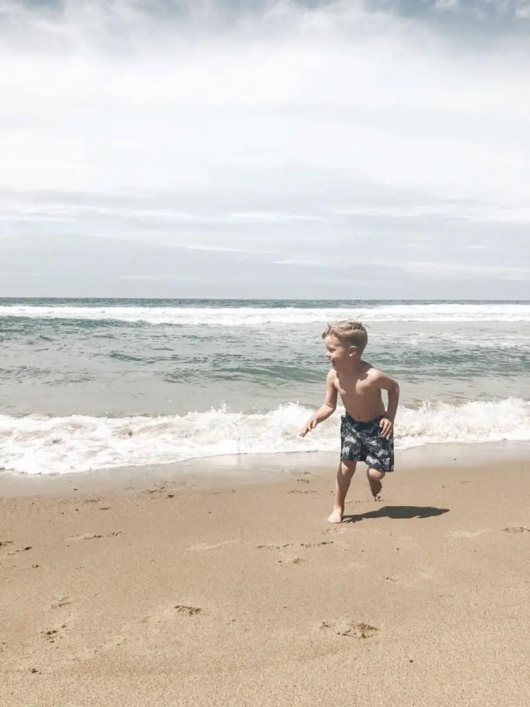 beach at Monterey Tides