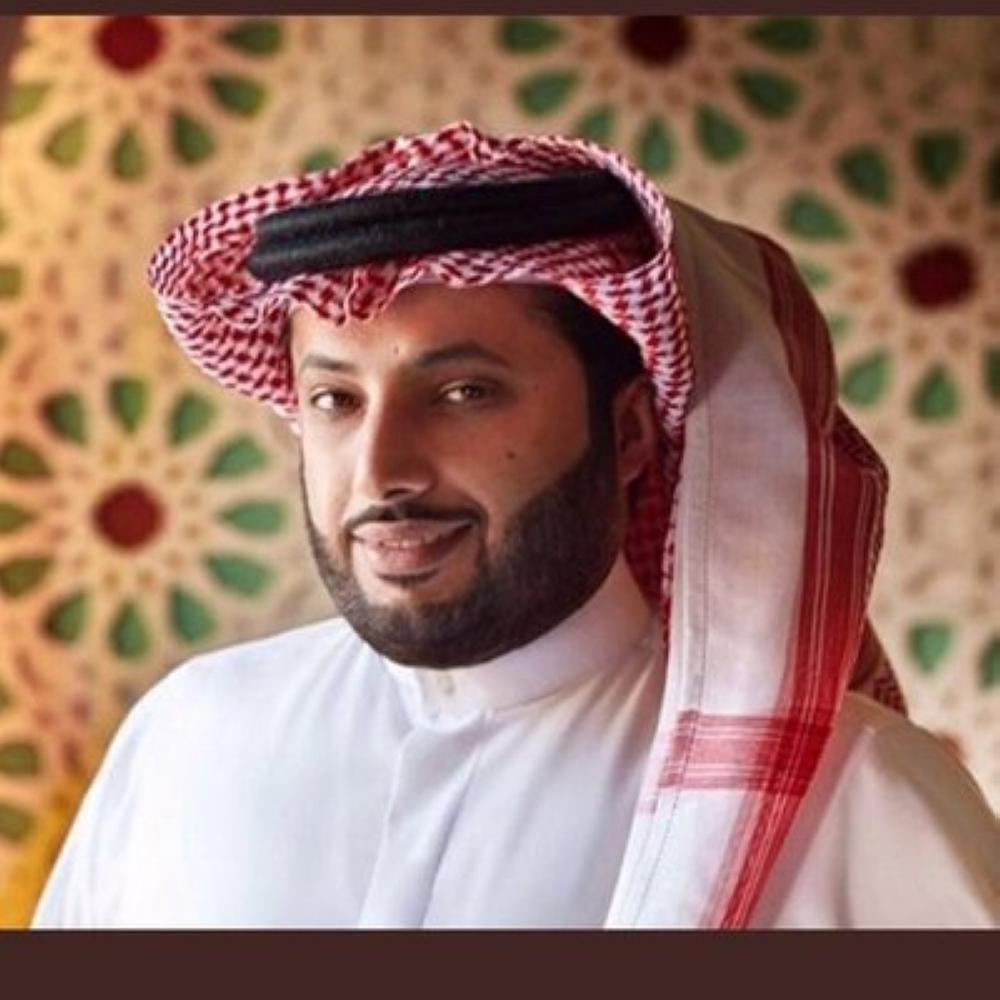 آل الشيخ يقدم 500 ألف لأسرة خالد قاضي.. ويوجه بتقديم جائزة قيمة لجماهير الأهلي والحزم