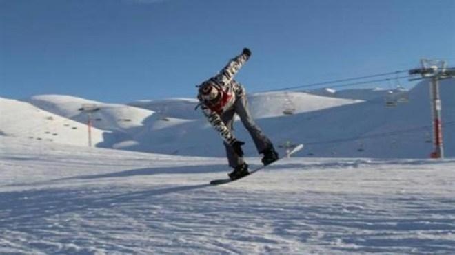 متزلج يقطع الحدود بين النرويج والسويد لتجنب الحجر الصحي في فندق – أخبار السعودية