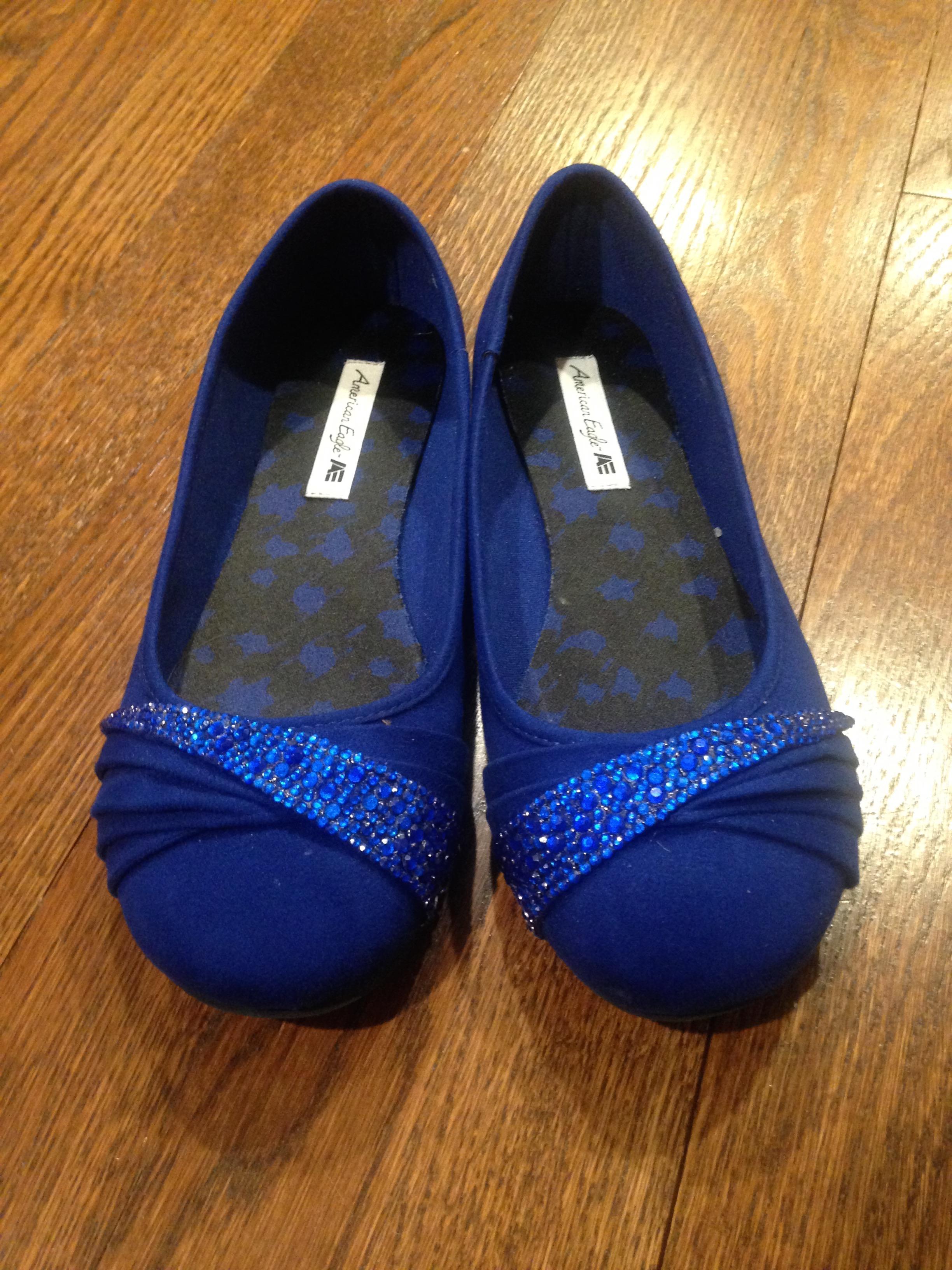 Esta chica le hizo a su hermana unos zapatos para el baile