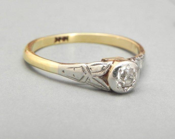 anillo minimalista vintage