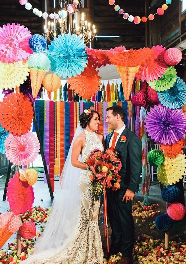 Creativas y divertidas ideas para agregarle color a tu boda