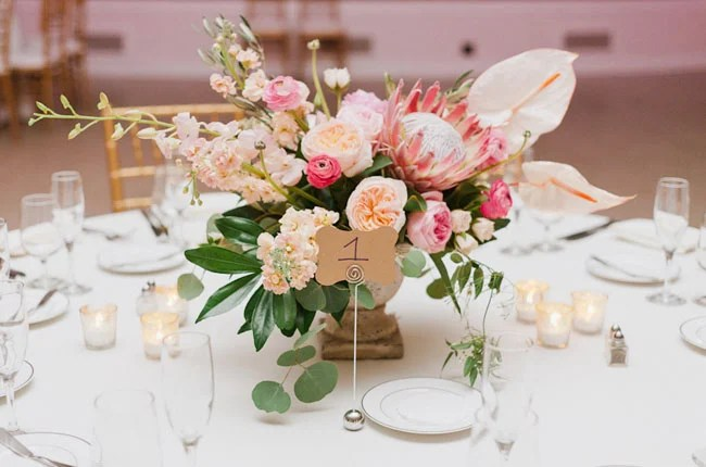 20 ideas de arreglos florales para centros de mesa