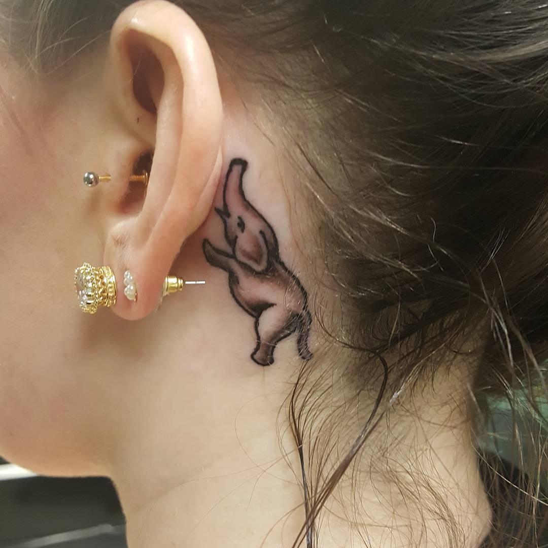 20 Creativos Pequeños Y Femeninos Tatuajes En Las Orejas