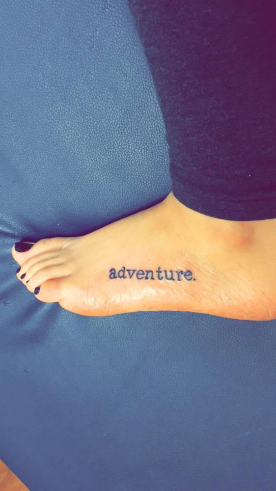 20 Ideas de tatuajes pequeos y femeninos en el pie