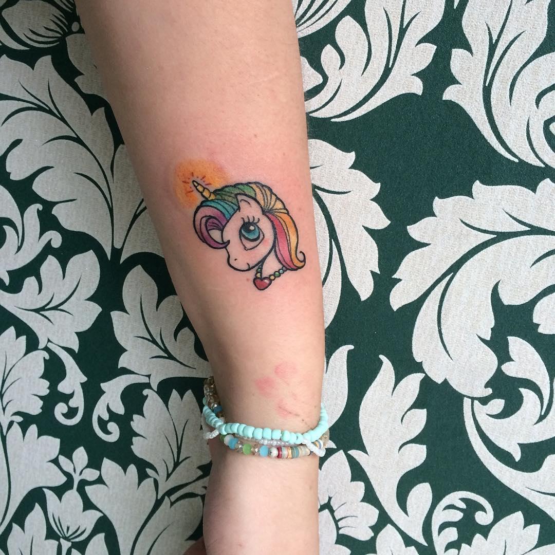 25 Tatuajes De Unicornios Que Querrás Hacerte Hoy Mismo