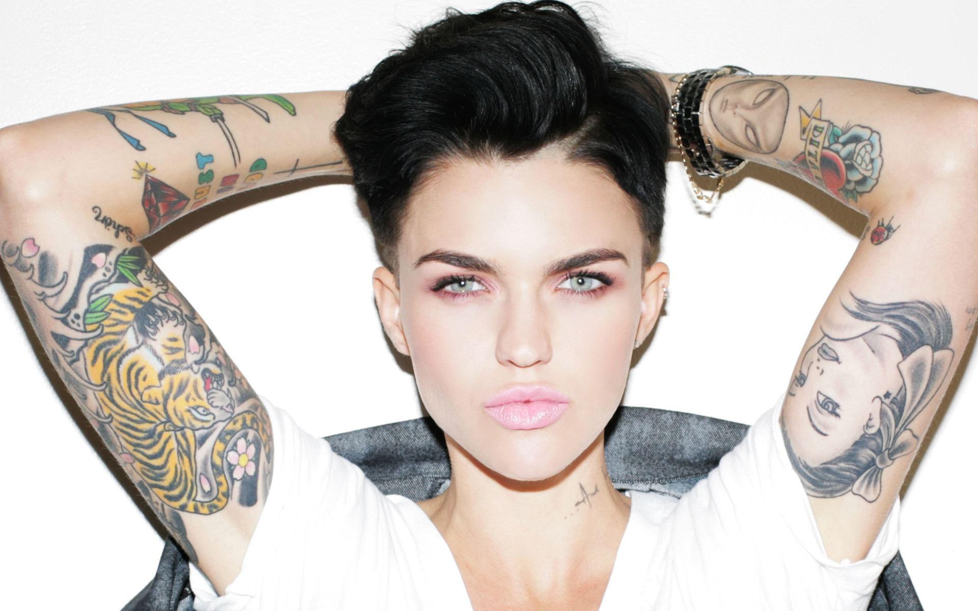 Las Mujeres Con Tatuajes Tienen Autoestima Más Alto