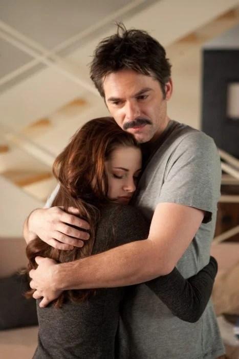 Escena de la película crepúsculo, padre e hija