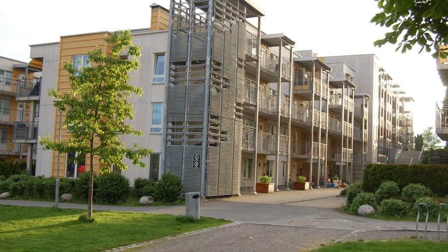 Avisene skriver mye om boligprisene som har falt i år. I følge Finn.no sin statistikk har boligprisene for leiligheter i Løren-området økt noe i Juli. I følge Finn sin statistikk […]