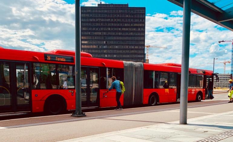 Buss for t-bane til 25. mars for linje 5