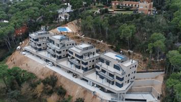 Filmación de construcciones y promoción inmobiliaria con Droneit