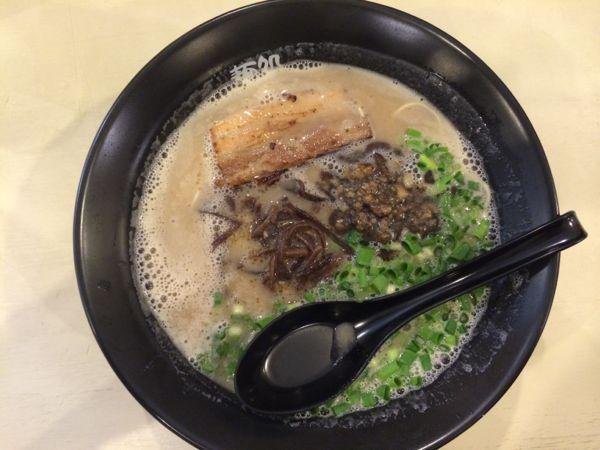 豚骨ラーメン細麺 650円