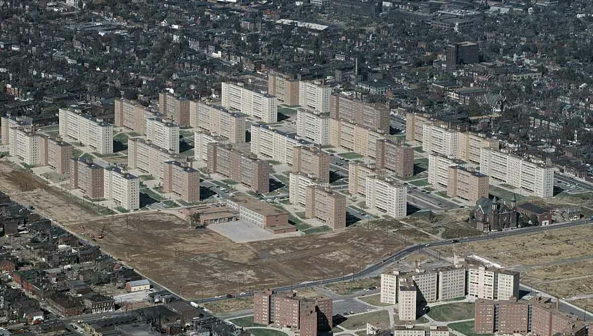 Pruitt Igoe: How Socialists Tried to Rebuild the USSR in the USA.
