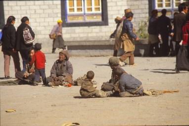pèlerins devant Jokhang