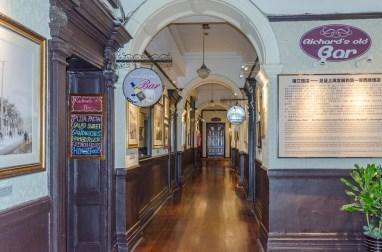 Les couloirs, pleins de photos historiques