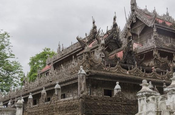 Une superbe pagode en teck