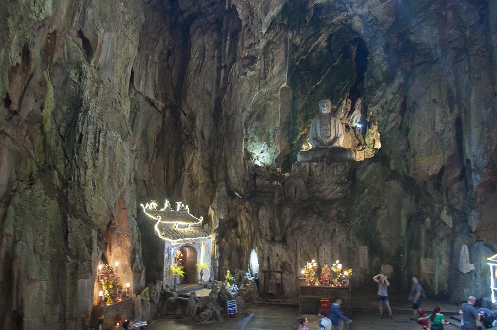Grotte Huyen Khong (sur la colline)