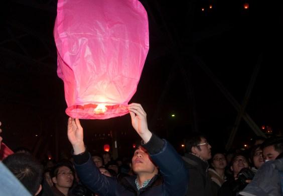 Lâcher de lanternes, 31 12 2013