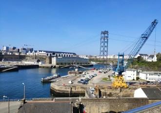 """Brest: la Penfeld, qui sépare le quartier de Recouvrance de """"Brest-Brest"""""""