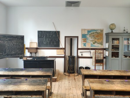 Le Menez Hom, ancienne école 2