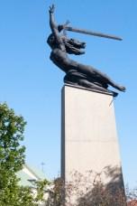 """Varsovie Nike (hommage aux """"libérateurs"""" soviétiques)"""
