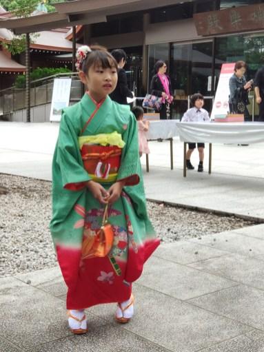 Devant le Meije jingu Temple
