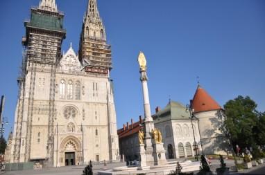 Zagreb, place du Kaptol et cathédrale