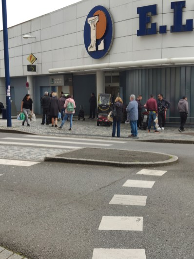 La queue devant les supermarché