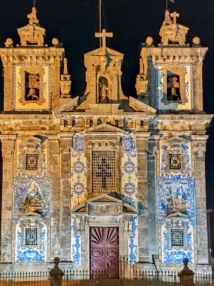 port 1100 OLTel Porto église face hotel