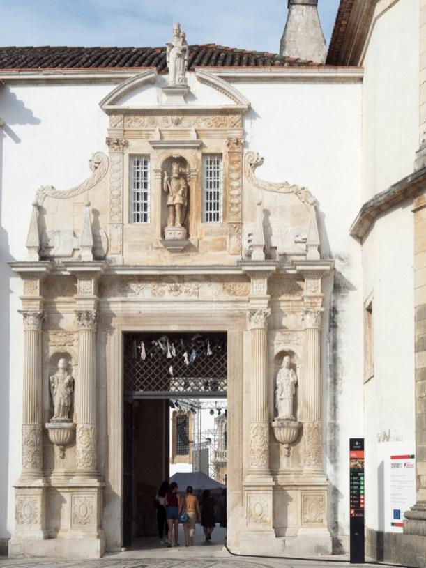 Coimbra: entrée de l'université