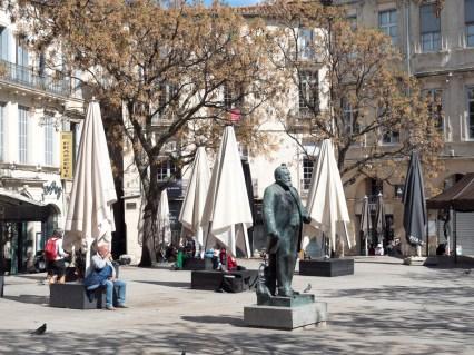 Montpellier: écusson (place Jean Jaurès)