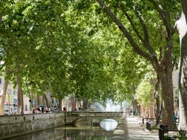 Nîmes Quai de la Fontaine